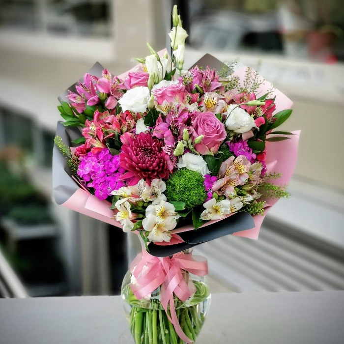Etiler Çiçek Vazosu