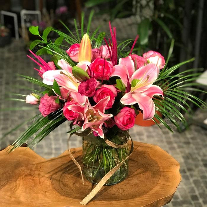 Pembe Lilyum ve Güller