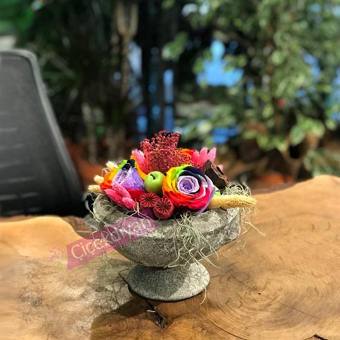 Rainbow Roses - solmayan renkli güller