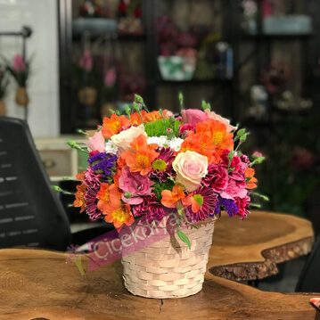 Bahar Çiçek Sepeti