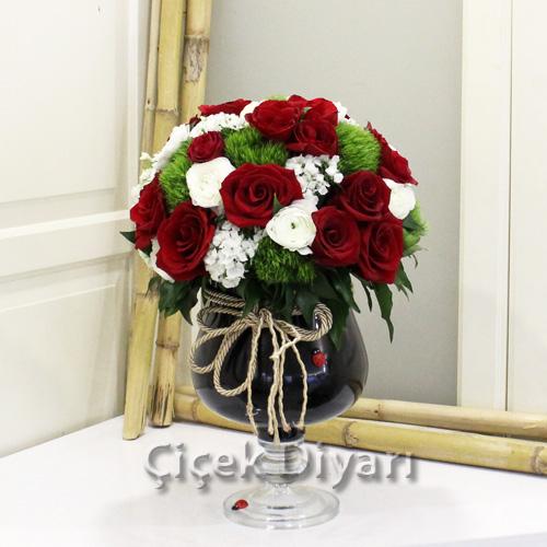 Vazoda Çiçek Bakımının Püf Noktaları
